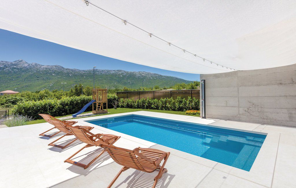 Compass Pools - luxury carbon ceramic pools, you will love