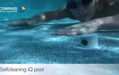 VIDEO: Jak vyčistit Compass bazén bez práce