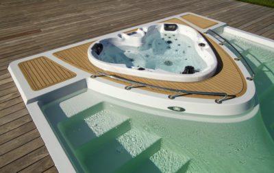 Becken + Yacht = YACHT POOL